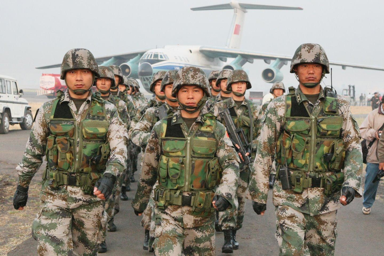 Čínska armáda sa bojí Apple Watch a iných nositelných zariadení! - svetapple.sk