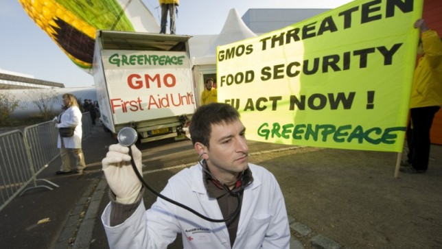 """Greenpeace distributes """"Anticorp"""" to politicians in order to boost their immunity against pro GMO industry lobby"""