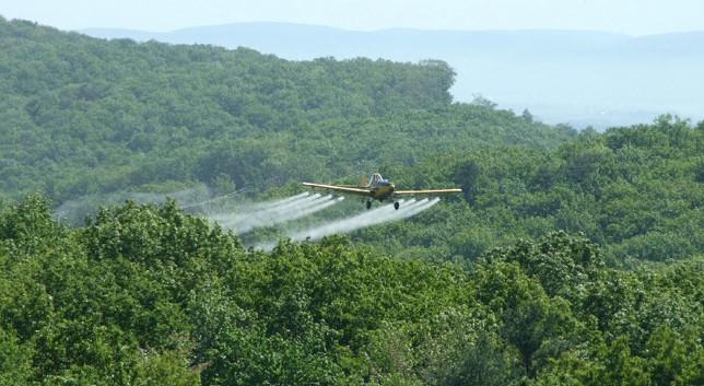 glyphosate-plane